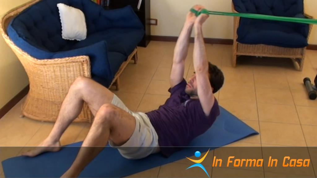 Esercizi per gambe spalle e addominali con gli elastici
